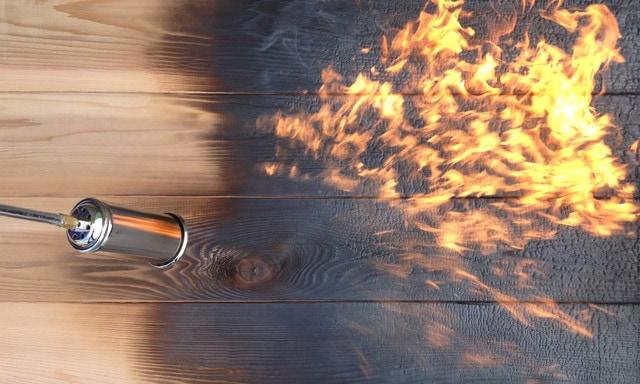 shou sugi ban burning