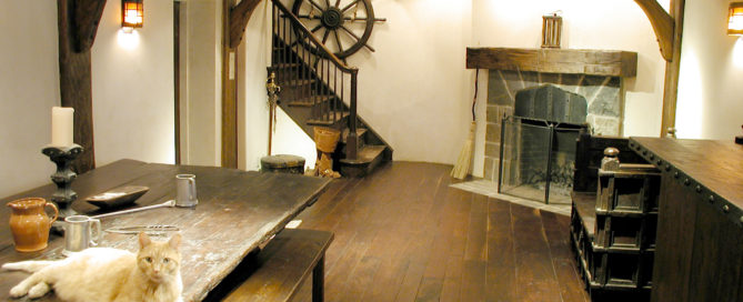 Dark antique hardwood floor by Manomin Resawn Timbers